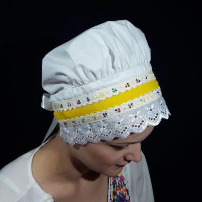 Bavlnený čepiec so žltou stuhou