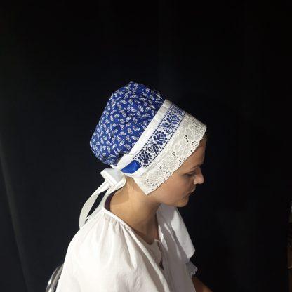 Modrý bavlnený čepiec s modrou čipkou